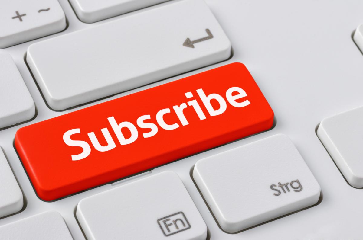 ecommerce-subscription-ts-100621375-large